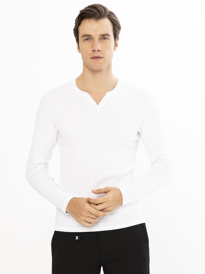 Patlı Yaka Pamuklu Tişört