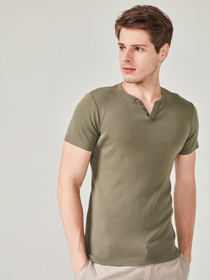MCL Patlı Yaka Basic Tişört