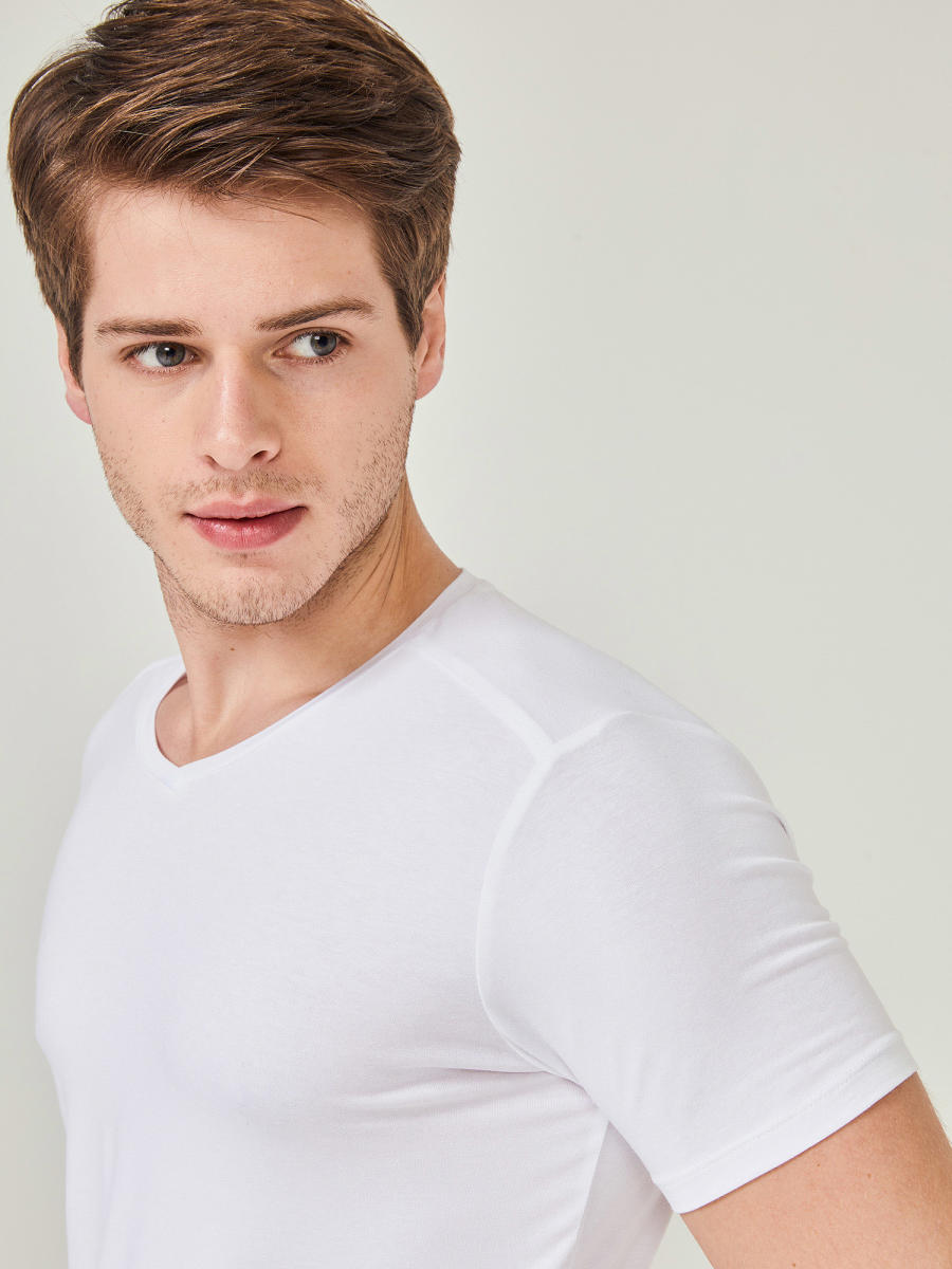 MCL V Yaka Basic Tişört