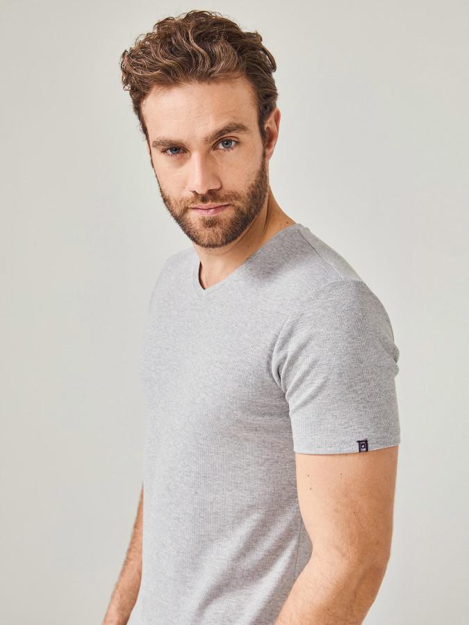 MCL - MCL V Yaka Basic Tişört (1)