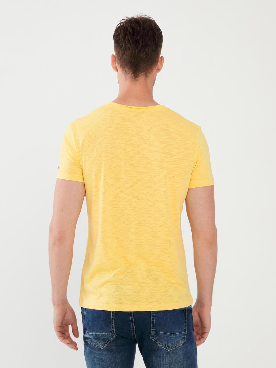 V Yaka %100 Pamuk Slim Fit Tişört