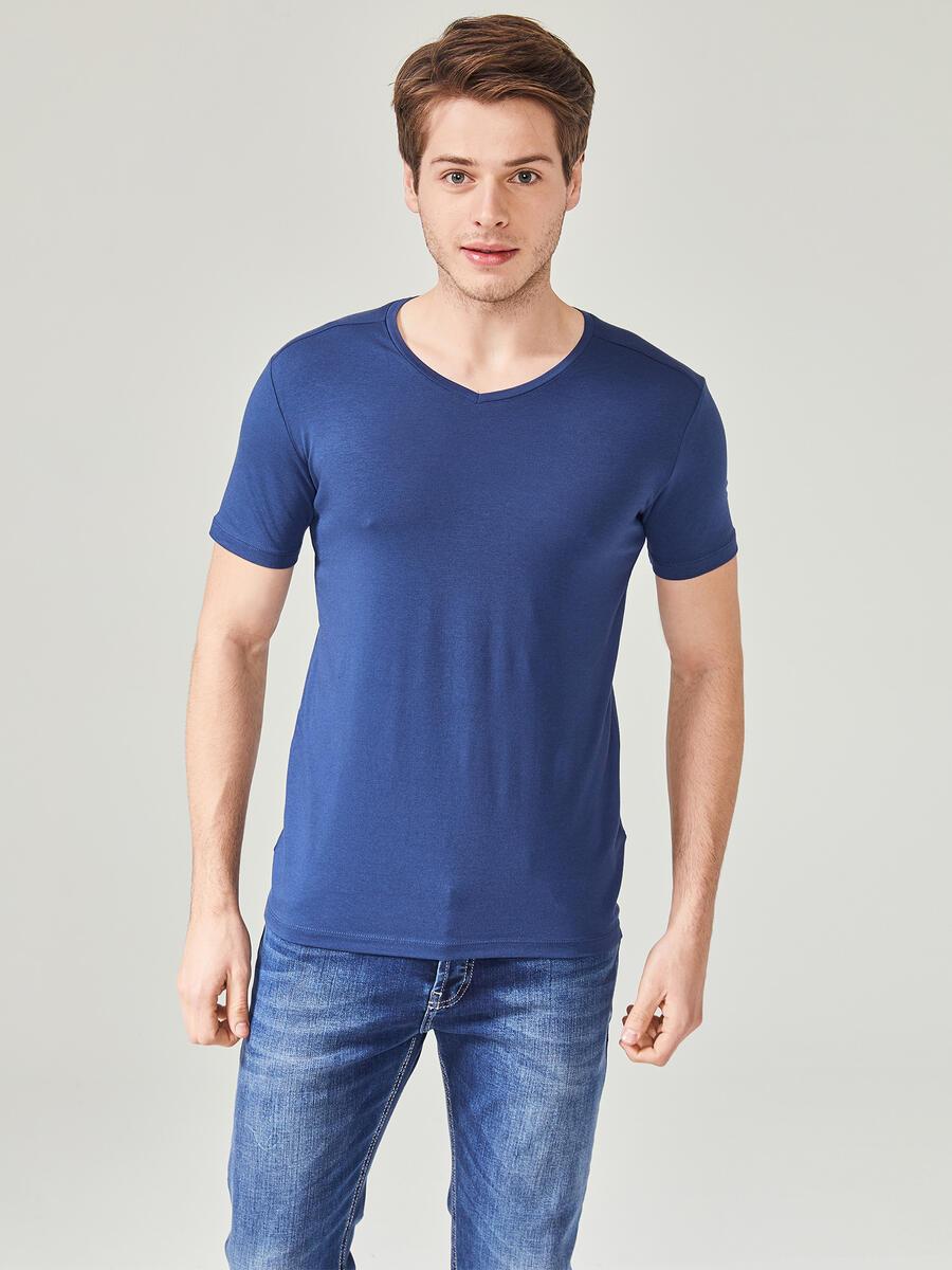 V Yaka Pamuklu Slim Fit Basic Büyük Beden Tişört