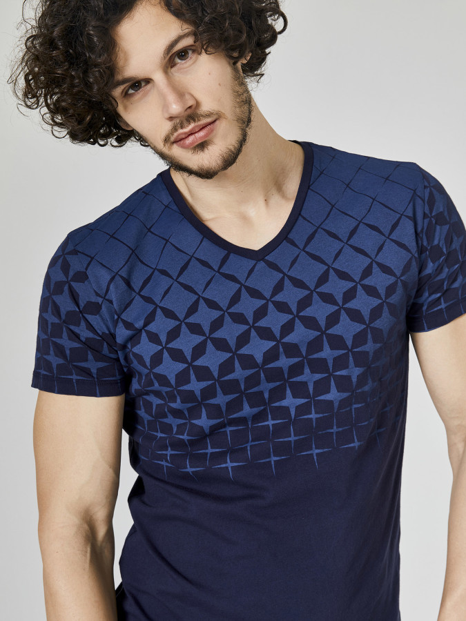 XINT - Xint V Yaka Baskılı Tişört