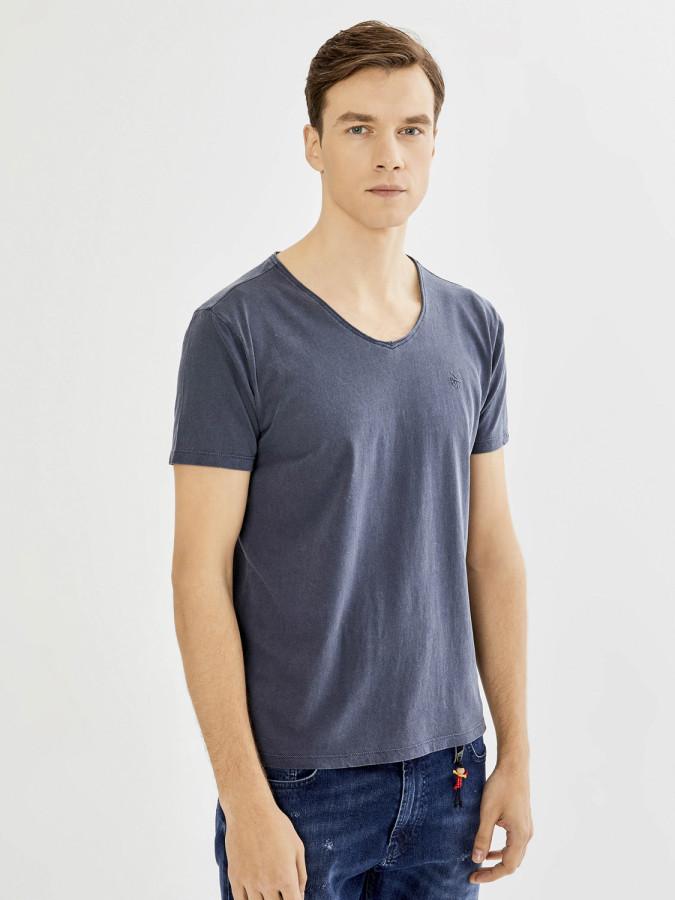 Xint V Yaka Parça Boyalı Basic Tişört