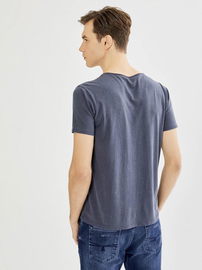 Xint V Yaka Parça Boyalı Basic Tişört - Thumbnail
