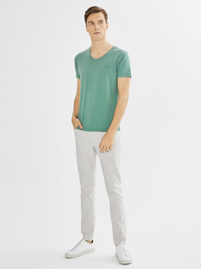 XINT - Xint V Yaka Parça Boyalı Basic Tişört (1)