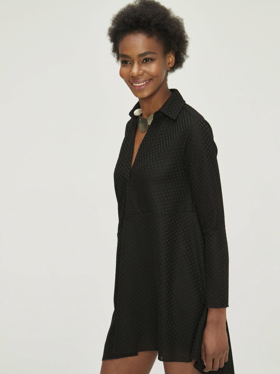 Eteği Asimetrik Kesim Elbise