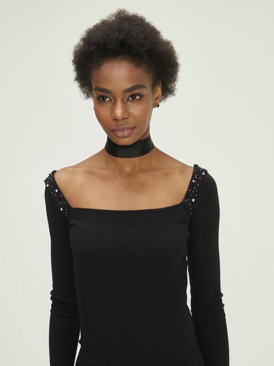 Yakası İşlemeli Pamuklu Slim Fit Elbise