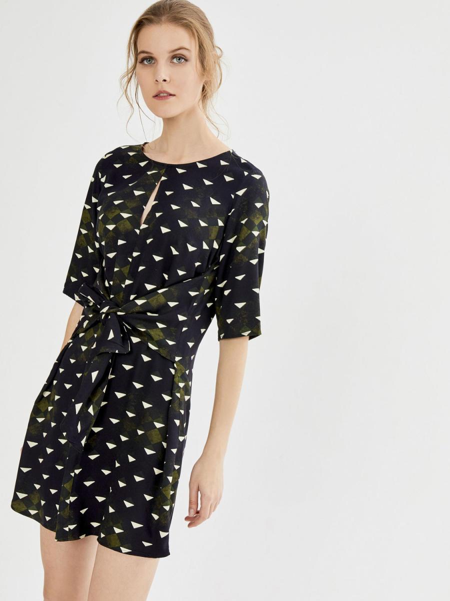 Xint Yuvarlak Yaka Belden Bağlama Formlu Elbise
