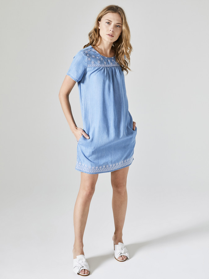 XINT - Xint Yuvarlak Yaka Önü Nakışlı Denim Elbise