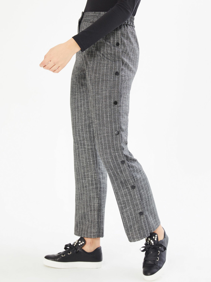 XINT - Xint Yandan Düğmeli Desenli Geniş Paça Pantolon (1)
