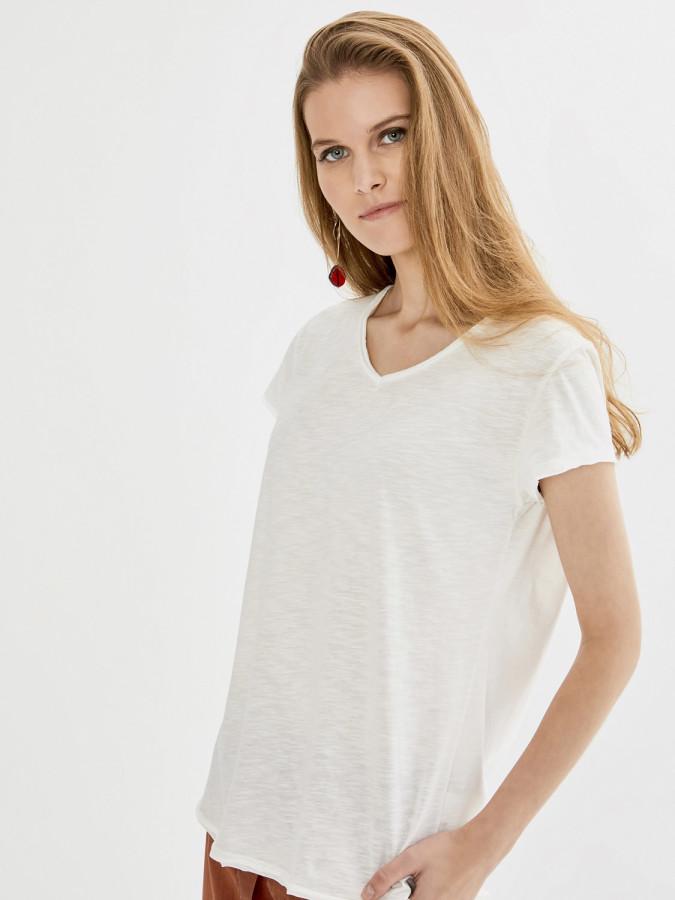 Xint V Yaka Basic Tişört