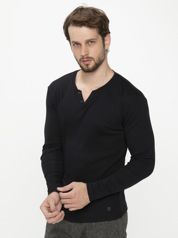 XINT - Xint Patlı Yaka Siyah Renk Tişört